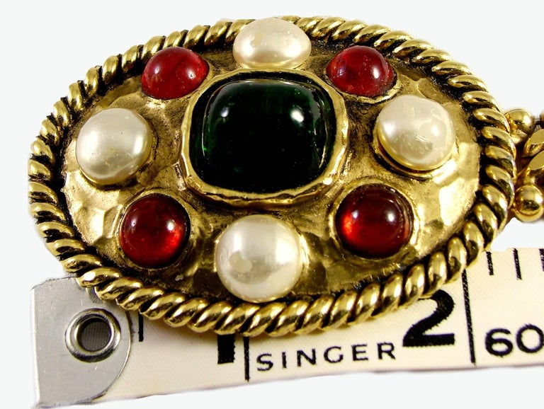 70s Chanel Byzantine Chain Belt with Faux Pearl Red Green Poured Glass Buckle M For Sale 2