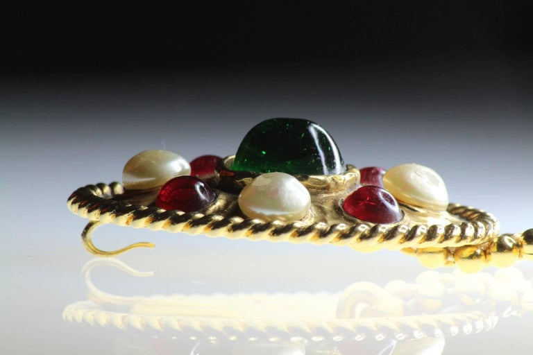 70s Chanel Byzantine Chain Belt with Faux Pearl Red Green Poured Glass Buckle M For Sale 3
