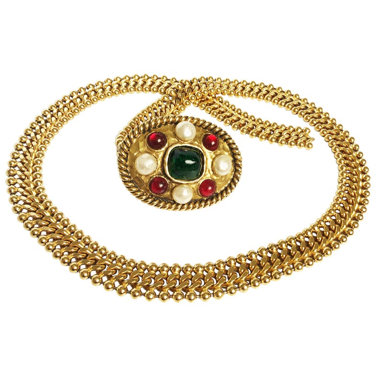 70s Chanel Byzantine Chain Belt with Faux Pearl Red Green Poured Glass Buckle M For Sale