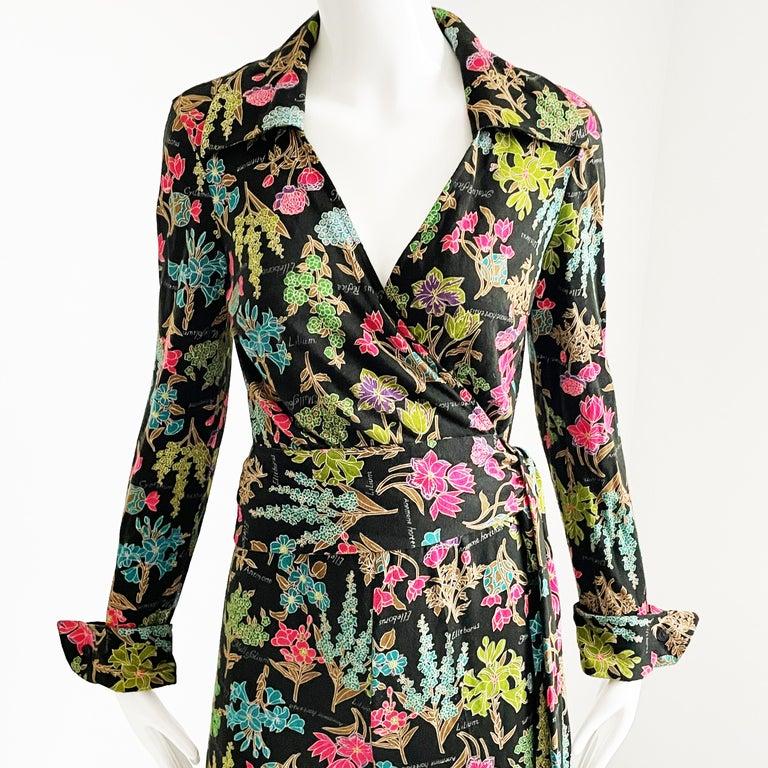 Black 70s Diane Von Furstenberg Blouse and Pants Set Floral Jersey Sz 12 For Sale