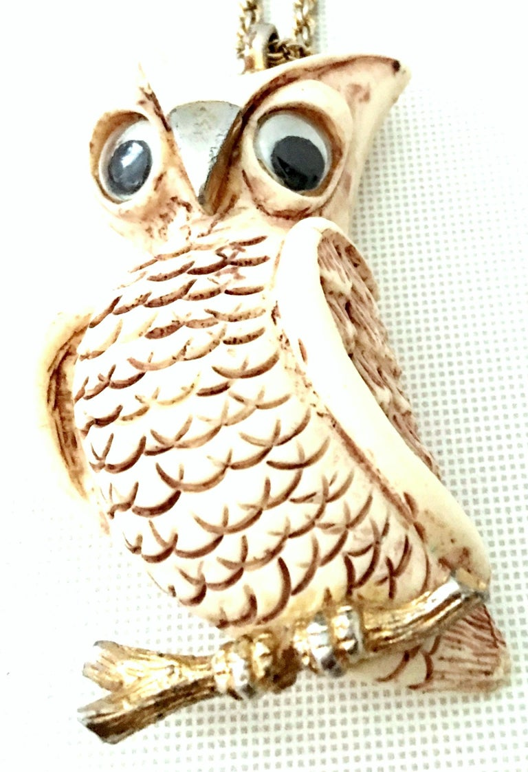 70'S Gold & Resin Carved Owl Pendant Necklace By Luca Razza For Sale 1