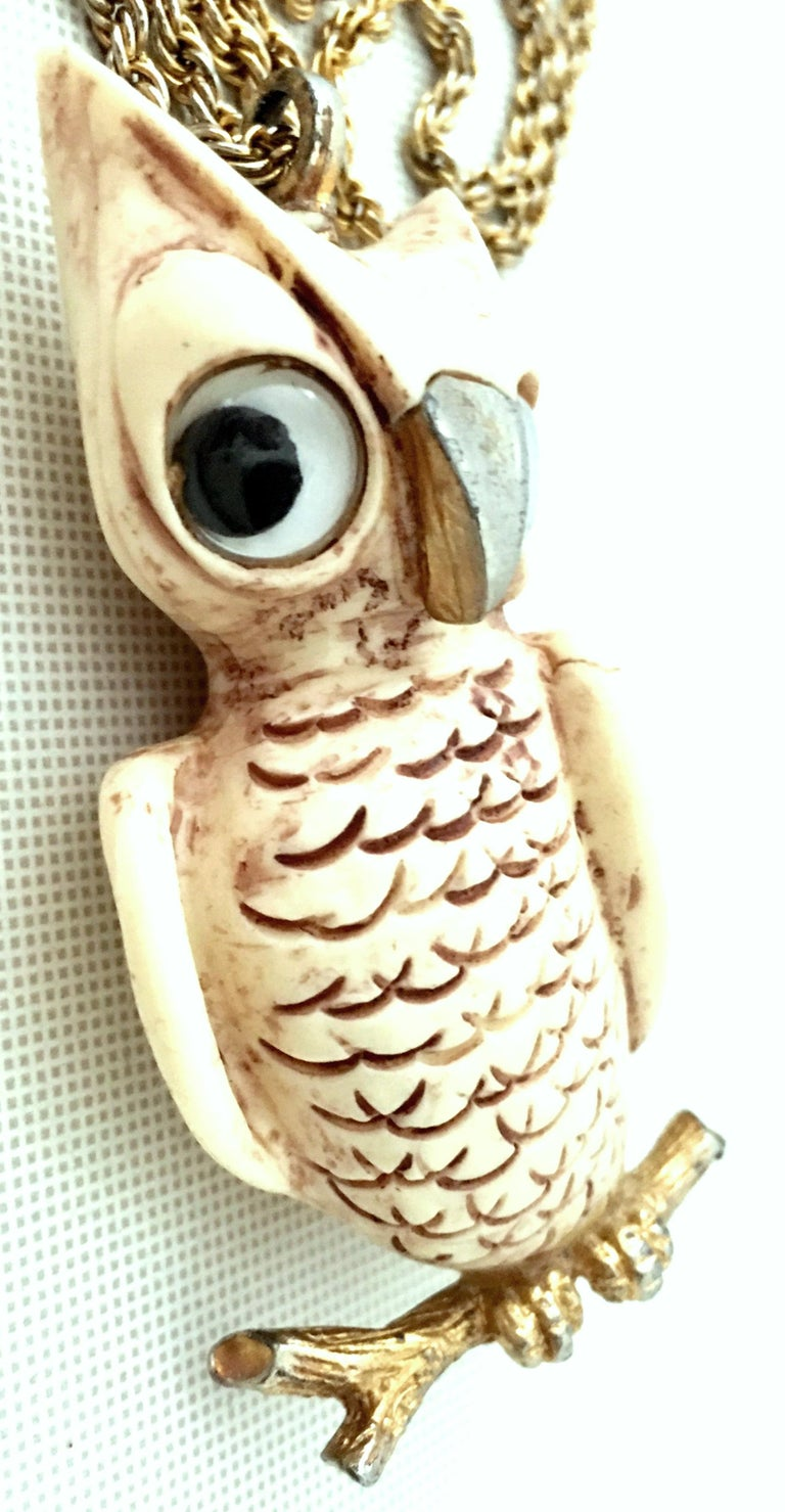 70'S Gold & Resin Carved Owl Pendant Necklace By Luca Razza For Sale 2
