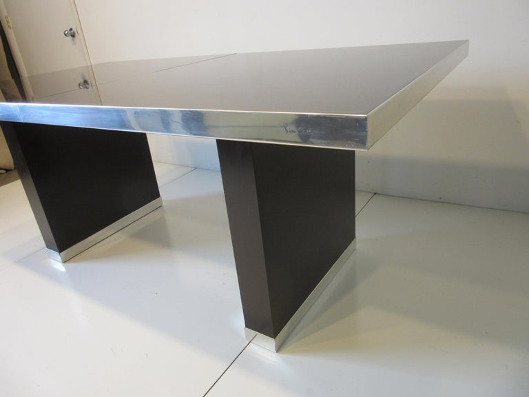 70's Pierre Cardin Pedestal Dining Table In Good Condition For Sale In Cincinnati, OH