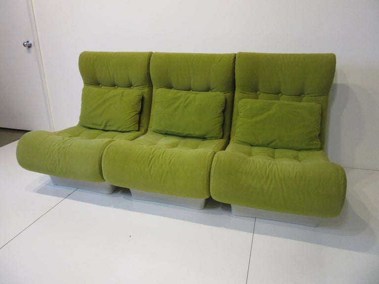 Unknown 1970s Space Age 3-Piece Sofa or Loveseat in the Style of Luigi Colani For Sale
