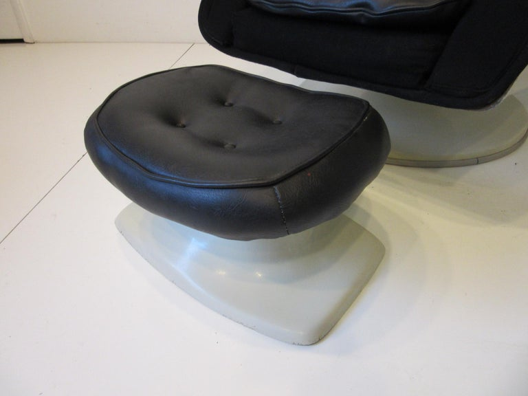 70's Space Age Stereo Egg Chair w/ Ottoman by Lee West Co. For Sale 1