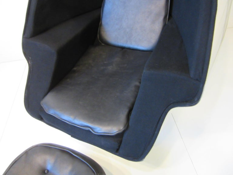 70's Space Age Stereo Egg Chair w/ Ottoman by Lee West Co. For Sale 2