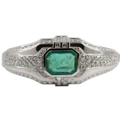Art Deco 7.10 Carat Emerald 7.40 Carat White Diamond White Gold Clamper Bracelet