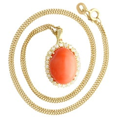 7.10 Ct Coral and 0.48 Ct Diamond, 14ct Yellow Gold Pendant, Vintage, circa 1970
