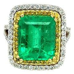 7.15 Carat Emerald and Diamonds Cocktail Ring 18 Karat Gold