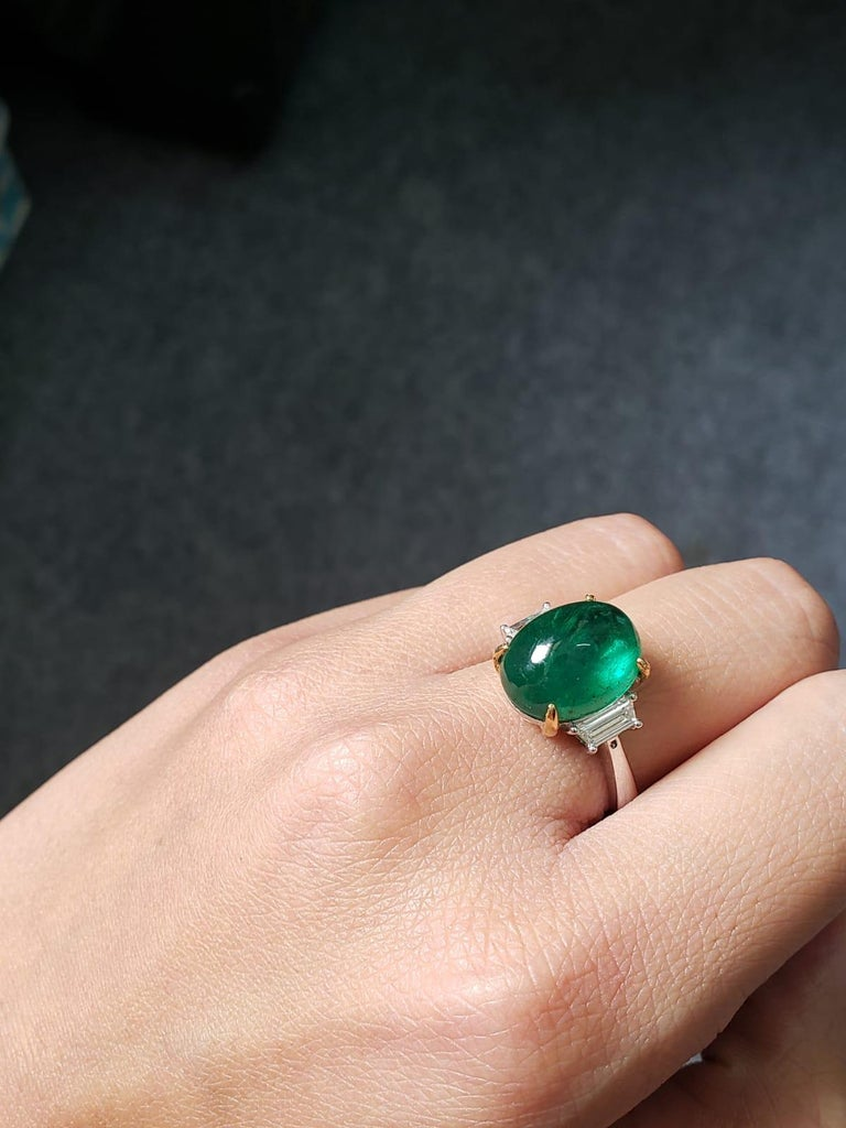 7.17 Carat Emerald Cabochon and Diamond Three-Stone Ring In New Condition For Sale In Bangkok, Thailand