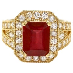 7.25 Carat Impressive Natural Red Ruby and Diamond 14 Karat Yellow Gold Ring