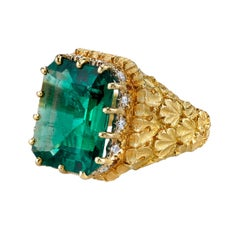 7.30 Carat Zambian Emerald, Diamond, Yellow Gold Handmade Italian Cocktail Ring