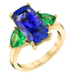 7.44 Carat Tanzanite and Tsavorite Garnet Trilliant 3-Stone Yellow Gold Ring