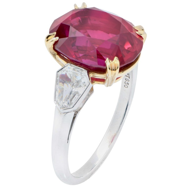 Women's or Men's 7.47 Carat GRS Graded No Heat Pigeon's Blood Mozambique Ruby and Diamond Ring For Sale