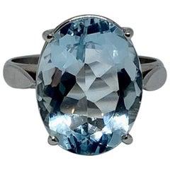 7.5 Carat Faceted Oval Aquamarine Ring in 18 Karat White Gold