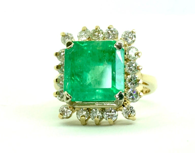 7.60 Carat Natural Colombian Emerald and Diamond Ring For Sale 3