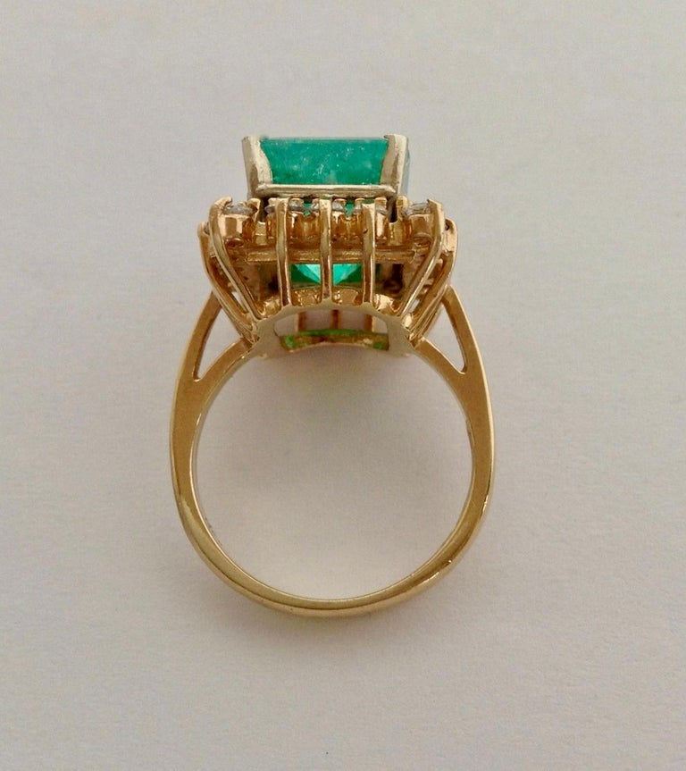 Women's 7.60 Carat Natural Colombian Emerald and Diamond Ring For Sale