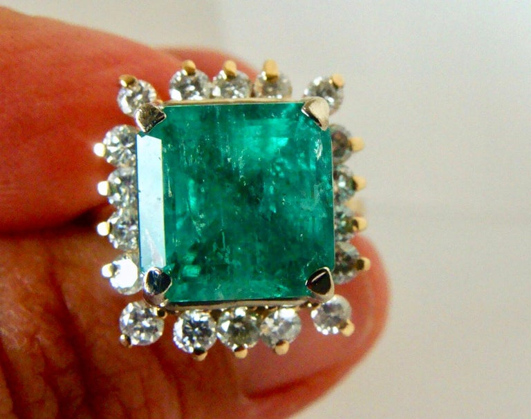 7.60 Carat Natural Colombian Emerald and Diamond Ring For Sale 1