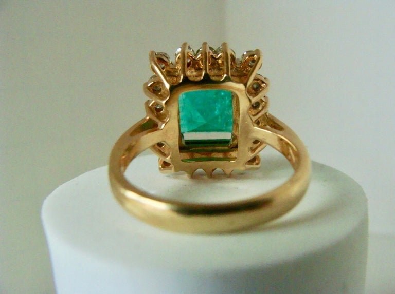 7.60 Carat Natural Colombian Emerald and Diamond Ring For Sale 6