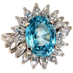 7.70 Carat Natural Indigo Blue Zircon Diamonds Ring 18 Karat