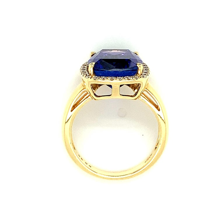 7.70 Carat Tanzanite Cushion, Diamond Halo Yellow Gold Cocktail Ring For Sale 5