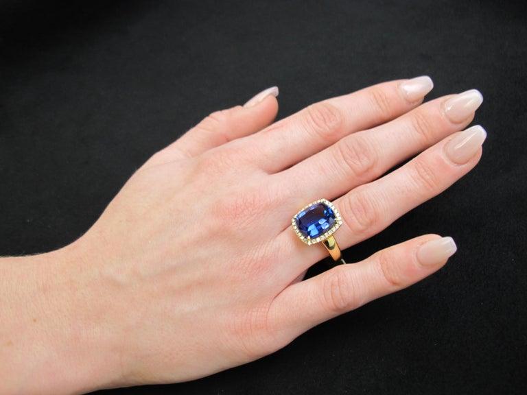 7.70 Carat Tanzanite Cushion, Diamond Halo Yellow Gold Cocktail Ring For Sale 7