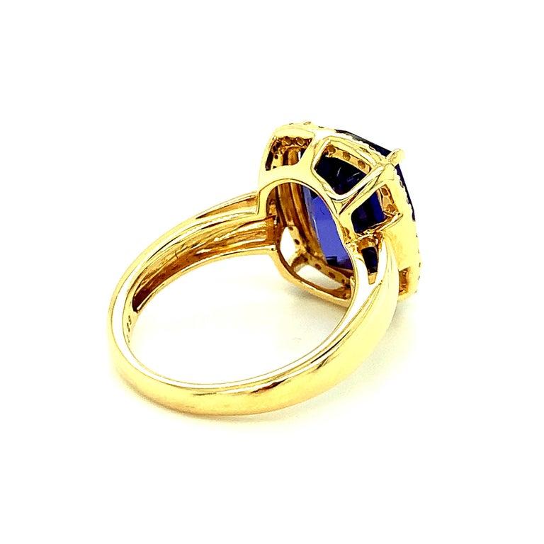 7.70 Carat Tanzanite Cushion, Diamond Halo Yellow Gold Cocktail Ring For Sale 3