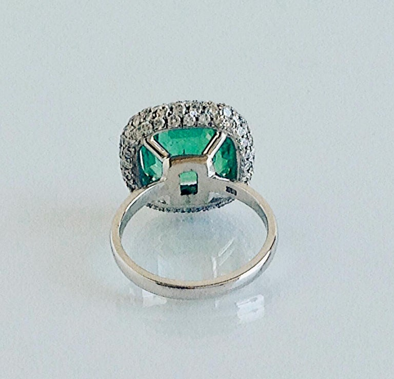 7.73 Carat Certified Fine Natural Colombian Emerald and Diamond 18K Ring For Sale 3