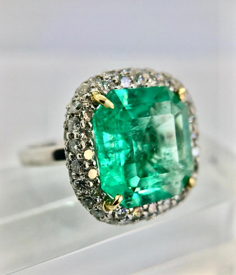 7.73 Carat Certified Fine Natural Colombian Emerald and Diamond 18K Ring In New Condition For Sale In Brunswick, ME