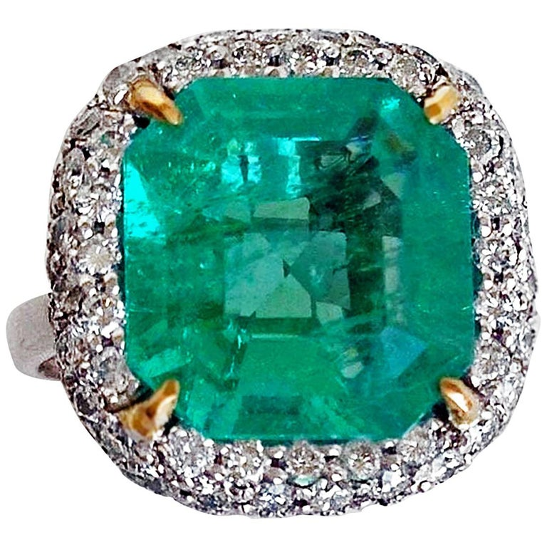 7.73 Carat Certified Fine Natural Colombian Emerald and Diamond 18K Ring For Sale