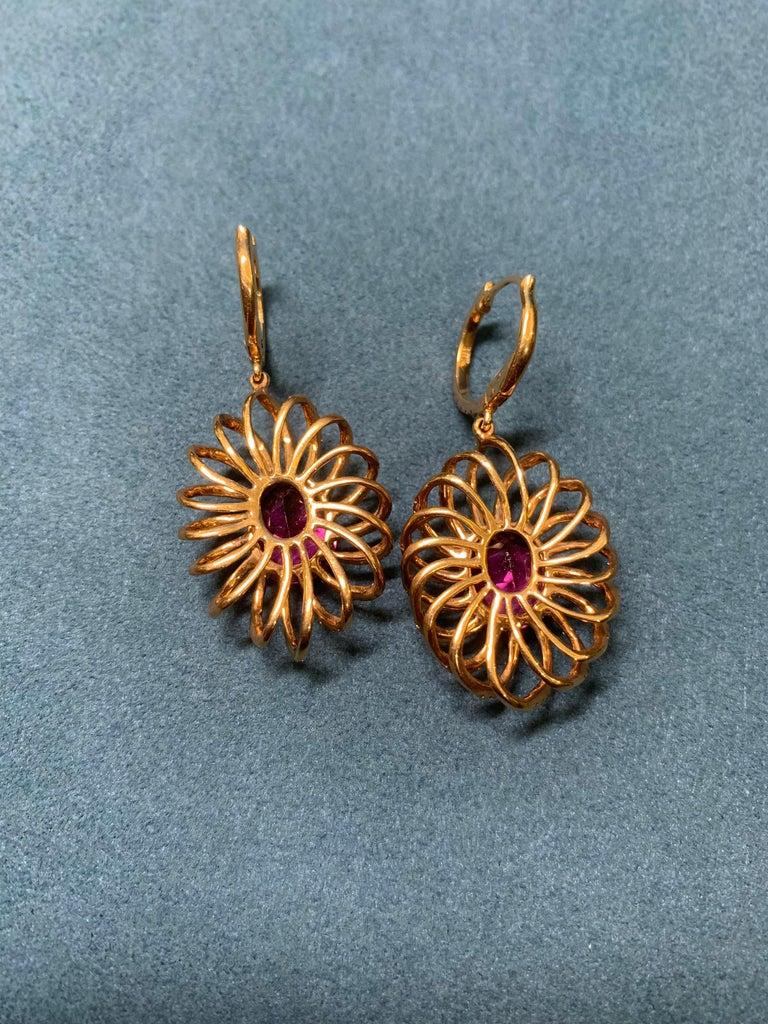 7.8 Carat Rubelite/ red / Designer 18k rose gold Dangling Earring In New Condition For Sale In Tsim Sha Tsui, HK