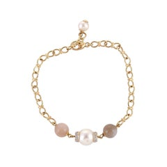 7.81 Carat Moonstone Freshwater Pearl Diamond 18 Karat Yellow Gold Bracelet