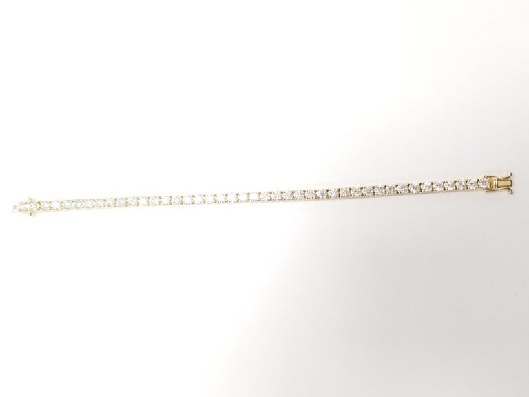 Round Cut 7.82 Carat Round Brilliant Cut Diamond Tennis Bracelet 14 Karat Yellow Gold For Sale
