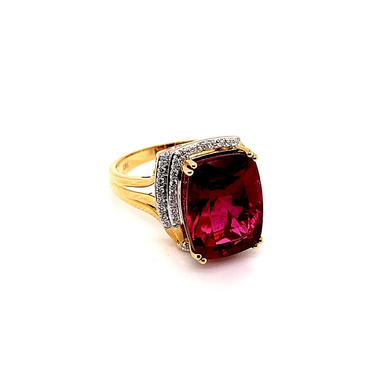 Contemporary 7.86 Carat Cushion Shaped Rubelite Ring in 18 Karat Yellow Gold with Diamonds For Sale