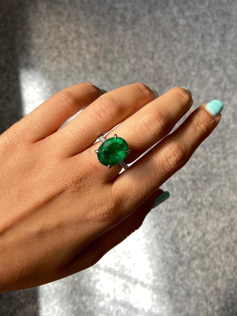 7.87 Carat Oval Emerald and Diamond Engagement Ring For Sale 2