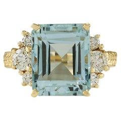 7.88 Carat Natural Aquamarine 18 Karat Yellow Gold Diamond Ring