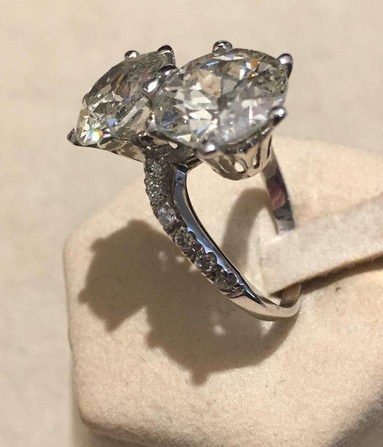 Women's or Men's 7.95 Carat Diamond Old Cut Toi Et Moi Ring