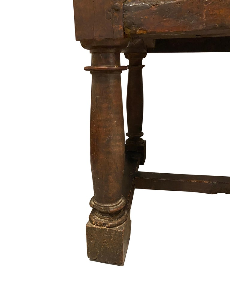 17th Century Spanish Baroque Walnut Table For Sale 4