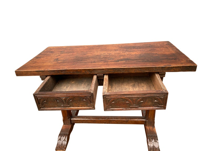 17th Century Spanish Walnut Trestle Table In Good Condition For Sale In Essex, MA