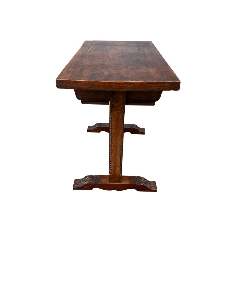 17th Century Spanish Walnut Trestle Table For Sale 3