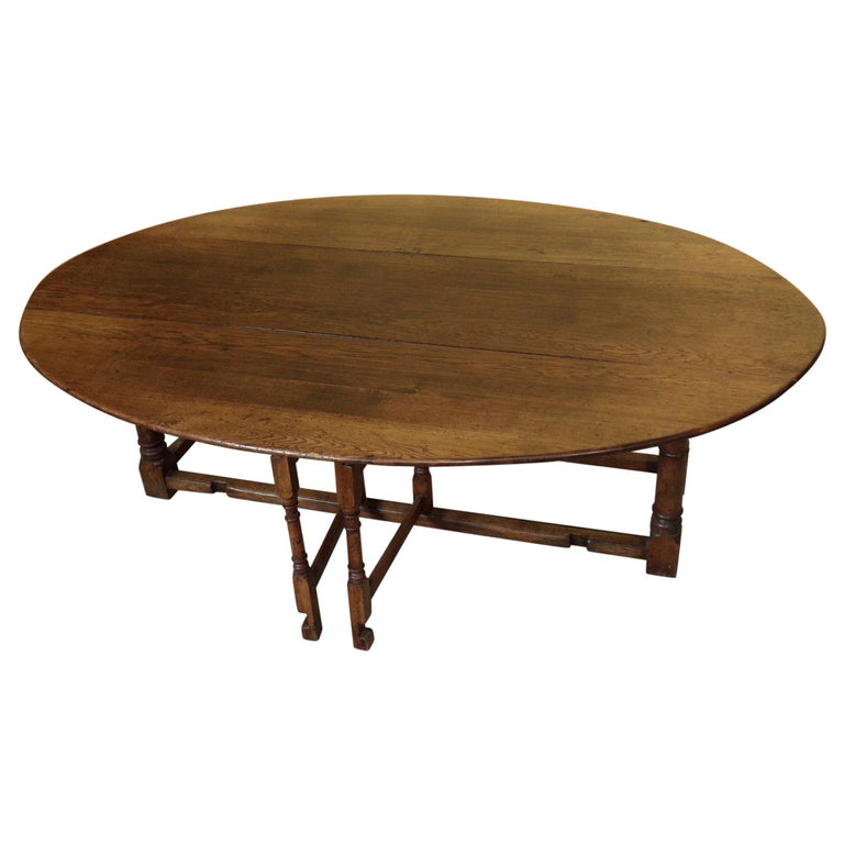 8-10 Seater Oval English Gateleg Table in Oak For Sale