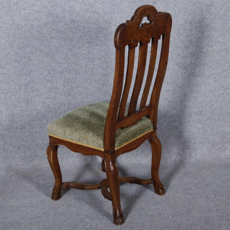 8 Baroque Chairs Liège 18th Century Oak In Good Condition For Sale In Glauburg, DE