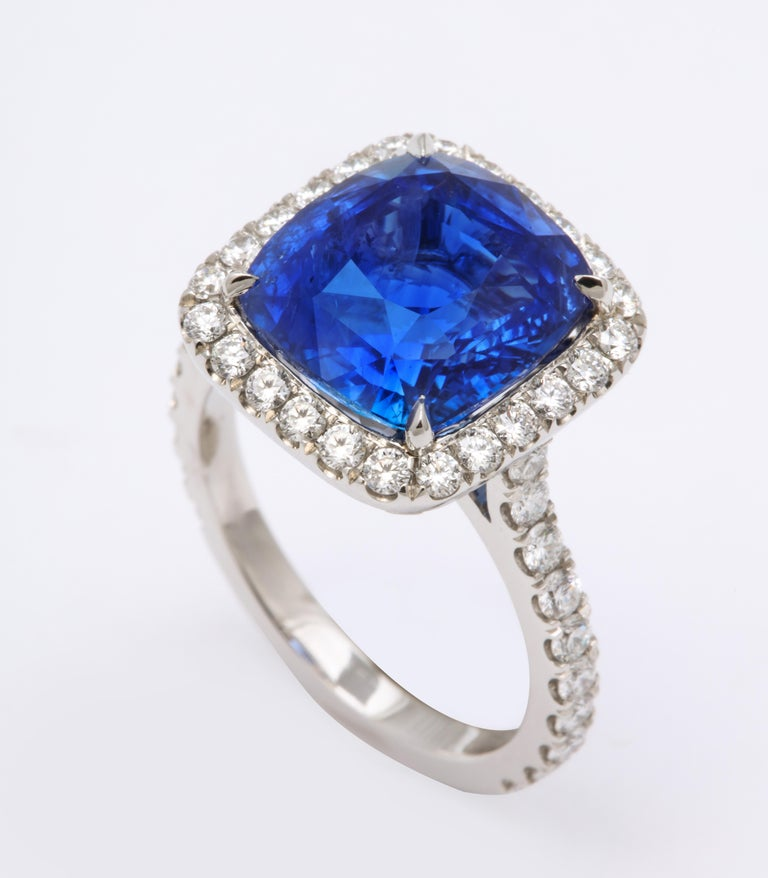 8 Carat Cushion Cut Ceylon Blue Sapphire and Diamond Ring In New Condition For Sale In New York, NY