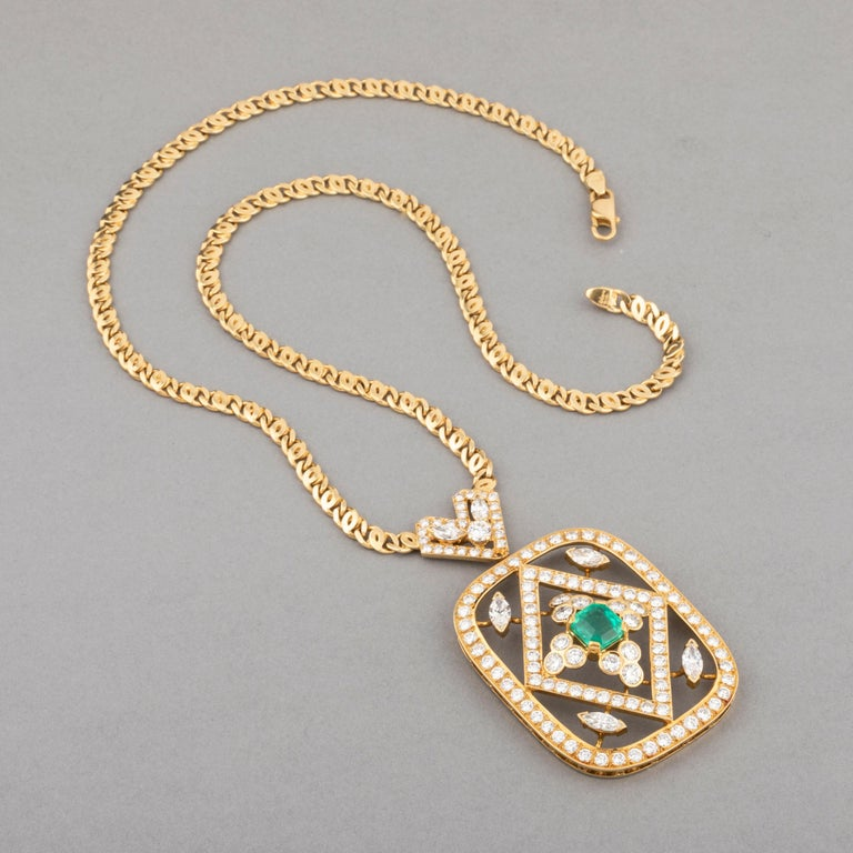8 Carat Diamonds and 2 Carat Emerald Pendant Necklace In Good Condition For Sale In Saint-Ouen, FR
