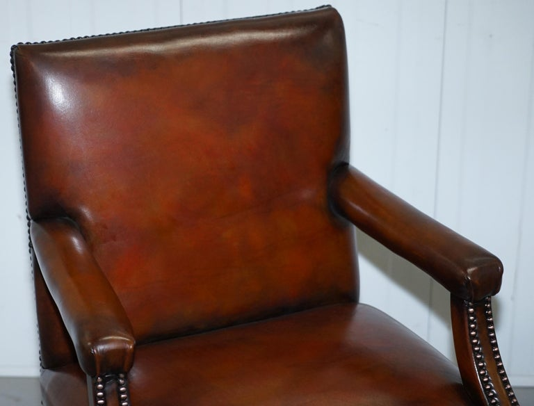 8 Howard & Son's Stamped circa 1900 Brown Leather Carver Gainsborough Armchairs In Good Condition For Sale In London, GB