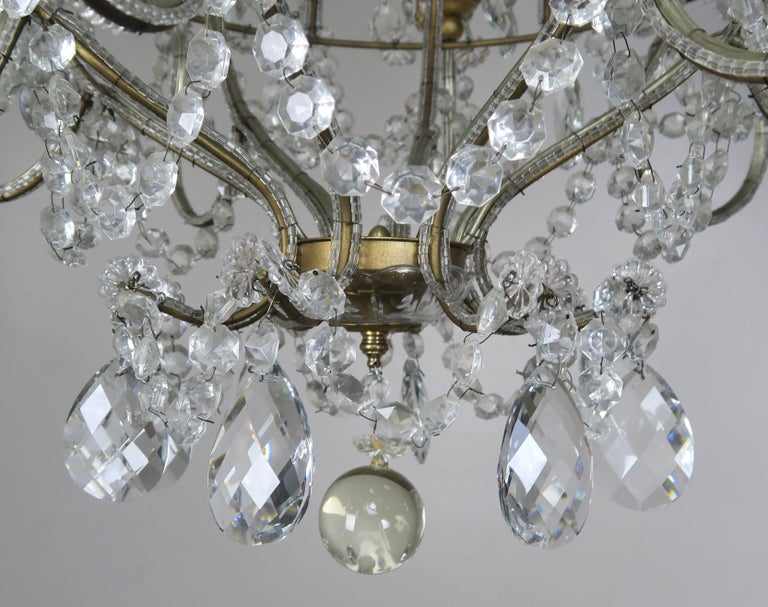 20th Century 8-Light Italian Crystal Beaded Chandelier For Sale