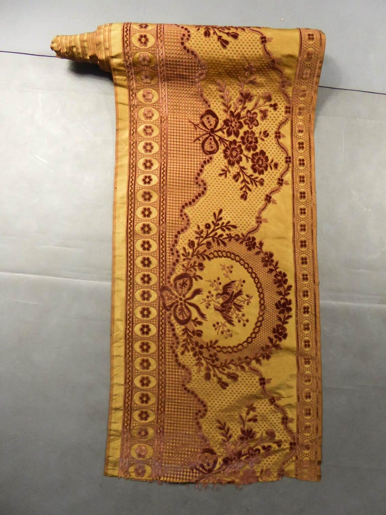8 meters of Border in chiseled velvet - Late 18th century France For Sale 5