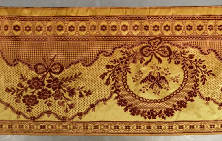 Brown 8 meters of Border in chiseled velvet - Late 18th century France For Sale