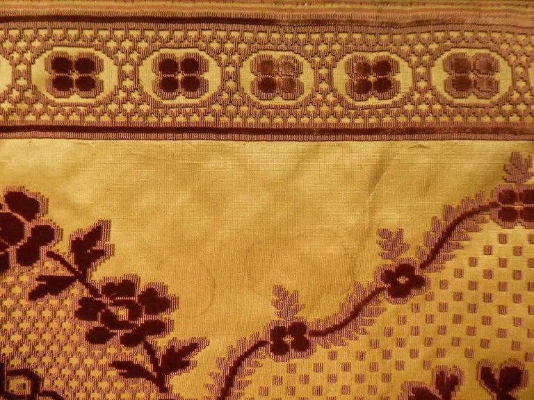 8 meters of Border in chiseled velvet - Late 18th century France For Sale 4