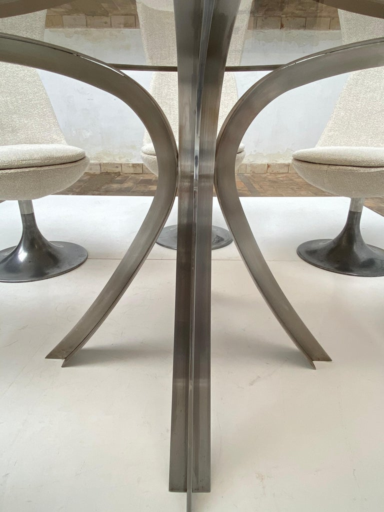 8 Space Age Swivel Dining Chairs, Cast Aluminum Tulips Base and New Upholstery For Sale 4